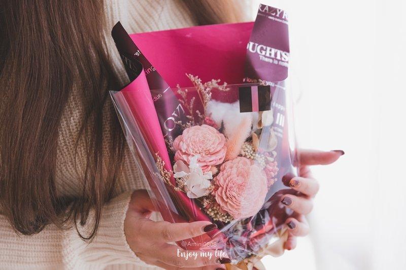 情人節特輯 ♥ 2020情人節要送什麼禮物?讓女生收到心花開的最佳情人節禮物清單推薦 ♫