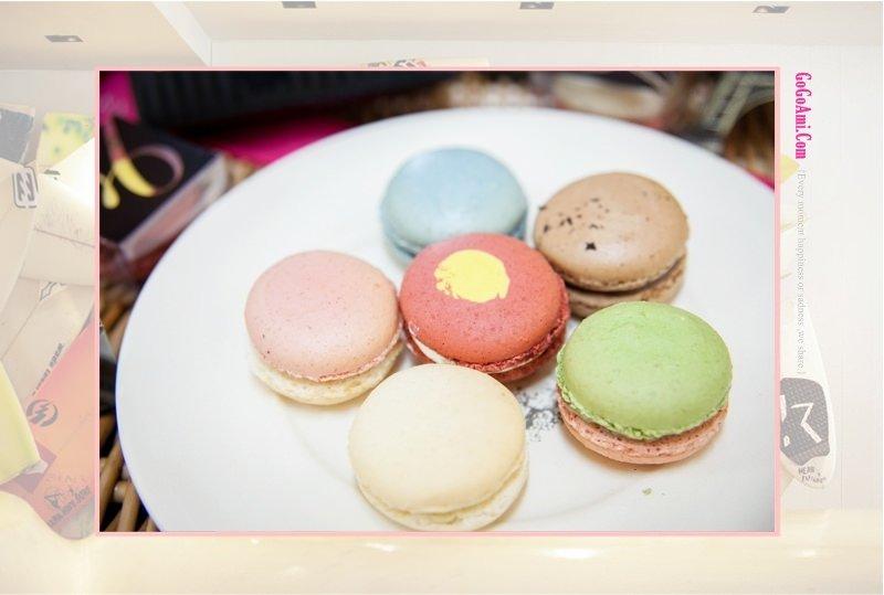 140821 ♥ 今年中秋改吃法式小月餅吧。夢幻幸福ANNA COCOA ART馬卡龍禮盒 ♫